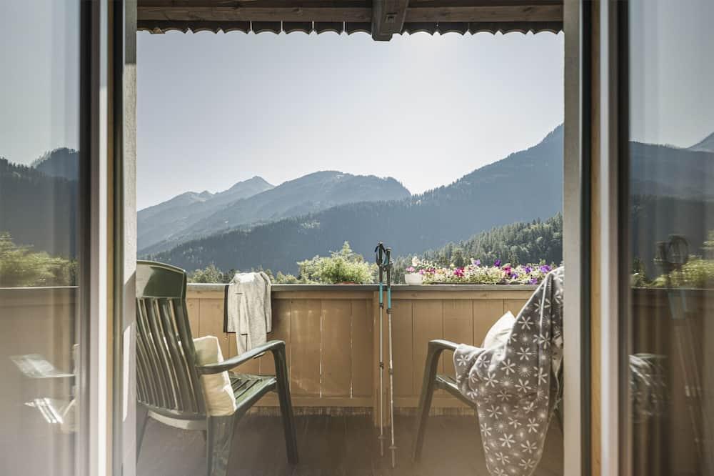 Apartament, 2 sypialnie, balkon, widok na góry - Z widokiem na balkon