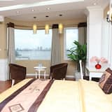 Royal Room, 1 Double Bed, Lake View - Guest Room