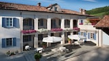 Check the price of this hotel in Neviglie