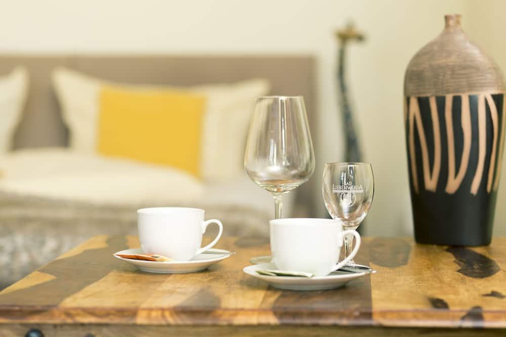 Ăn uống tại phòng