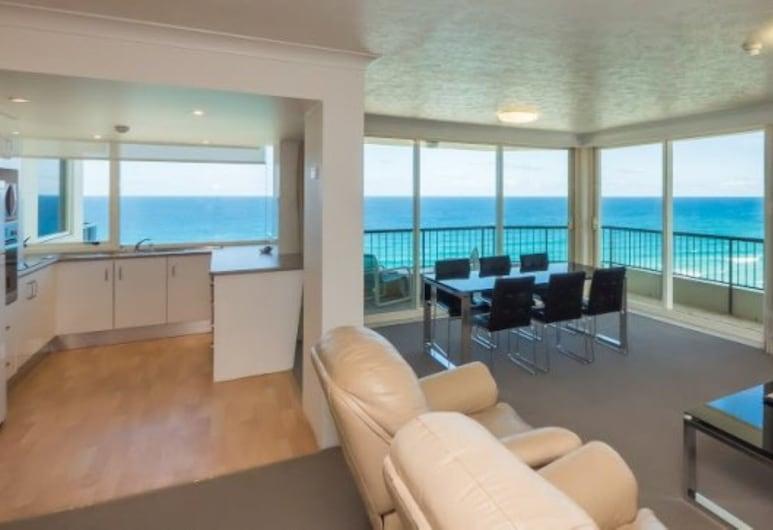Southern Cross Beachfront Holiday Apartments, Burleigh Heads, Apartamento estándar, 2 habitaciones, vistas al mar (with Aircon), Sala de estar