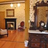 Grand Suite, 1 Bedroom, Balcony, Park View (Seeley Suite) - Ruang Tamu