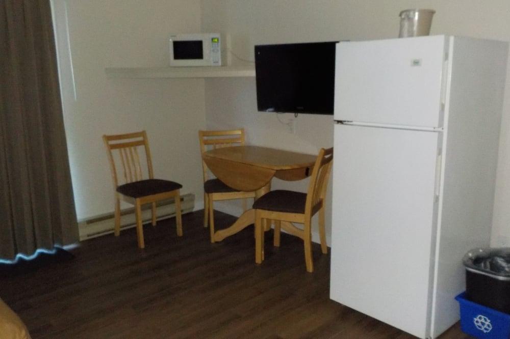 Efficiency, Apartmá, 2 dvojlůžka (180 cm), nekuřácký, kuchyně - Stravování na pokoji