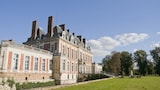 Choose This Historic Hotel in Yerres -  - Online Room Reservations