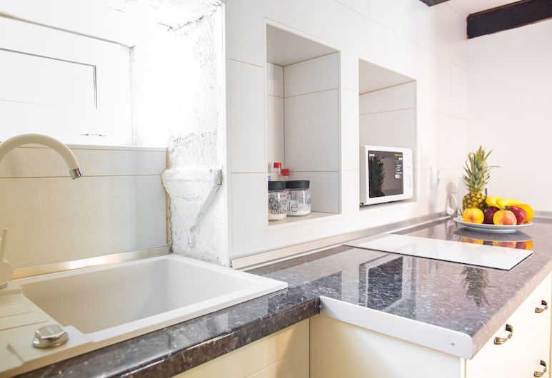 Apartments Santa Maria, Dubrovnik, Deluxe Apartment, Private kitchenette