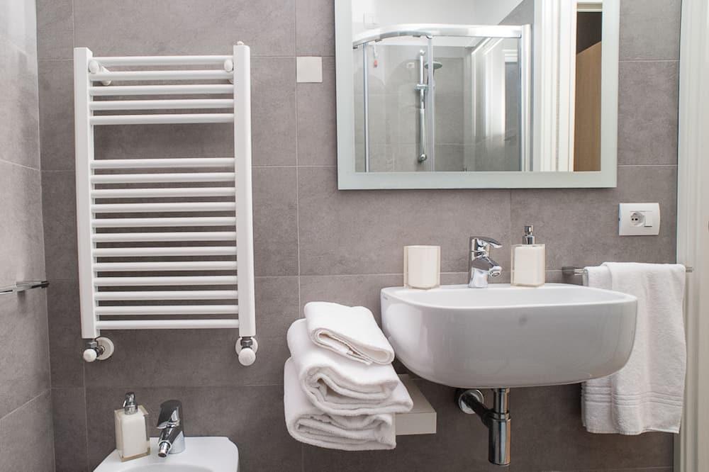Szoba, 1 kétszemélyes ágy - Fürdőszoba
