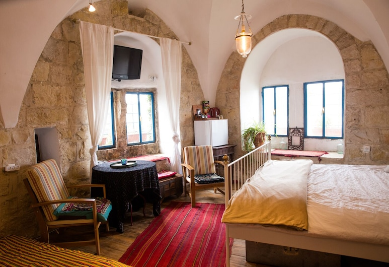 Mikes' Khan, Abu Ghosh, Quadruple Room, Guest Room