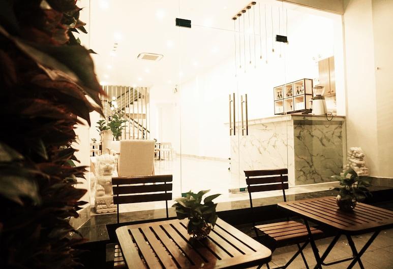 Oriental Art Hotel, Πόλη του Χο Τσι Μινχ, Γεύματα σε εξωτερικό χώρο