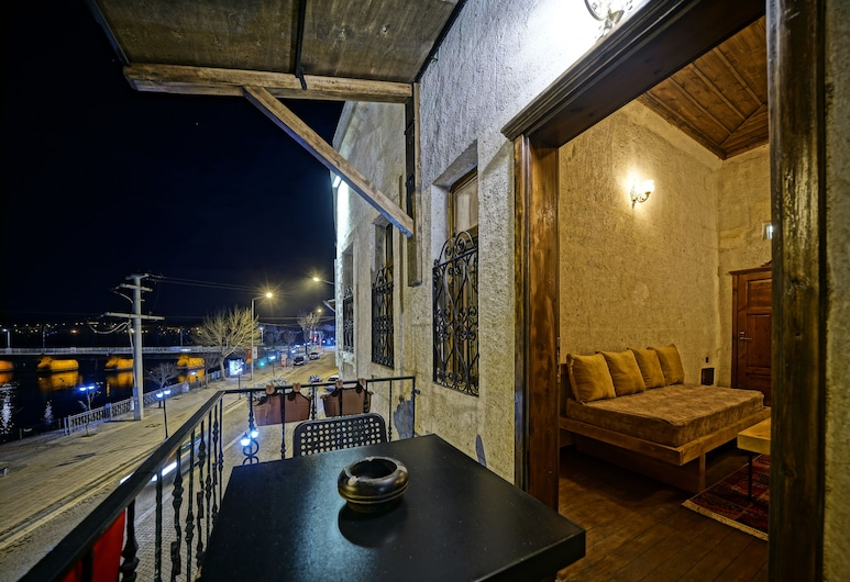 Lemon Cave Suites And Coffee House, Avanos, DEFNE KING SUITE, Balcony