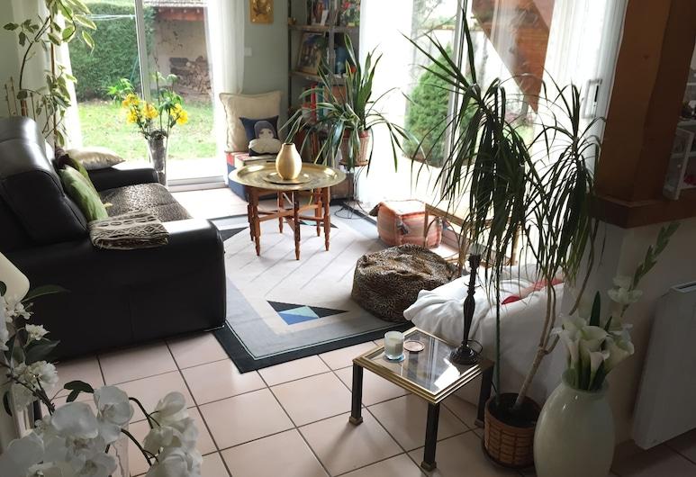 Maison Chevreuse, chambre chez l'habitant, Magny-les-Hameaux, Poilsio zona vestibiulyje