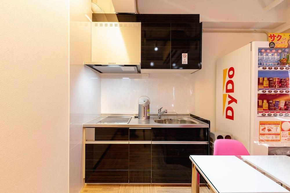 Общее спальное помещение, общий смешанный номер (#501-3) - Общая кухня