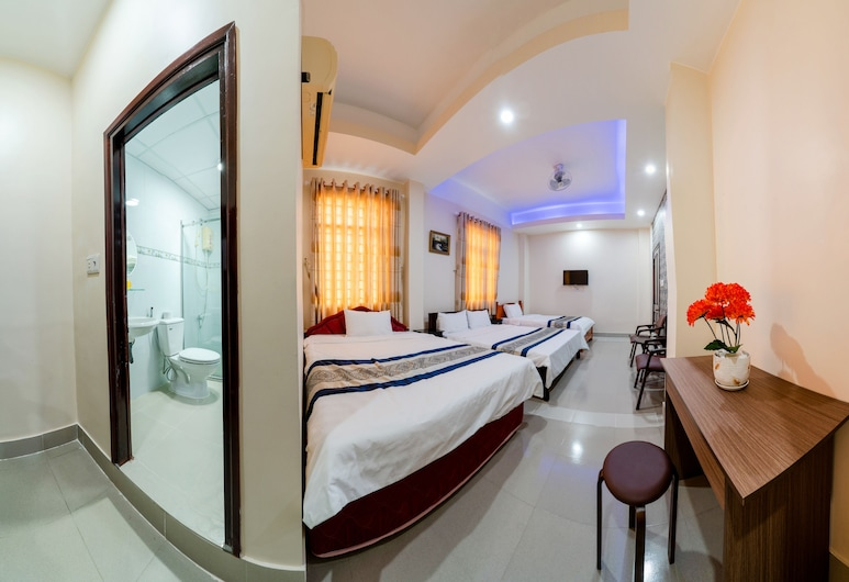 Ngoc Linh Motel, Chau Doc, Deluxe Family Room, Guest Room