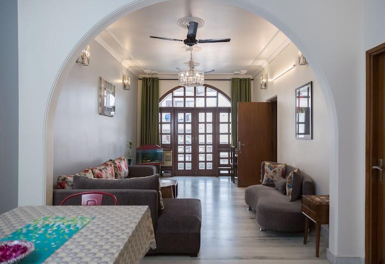 Under My Roof Hauz Khas, Yeni Delhi, Lobi Oturma Alanı