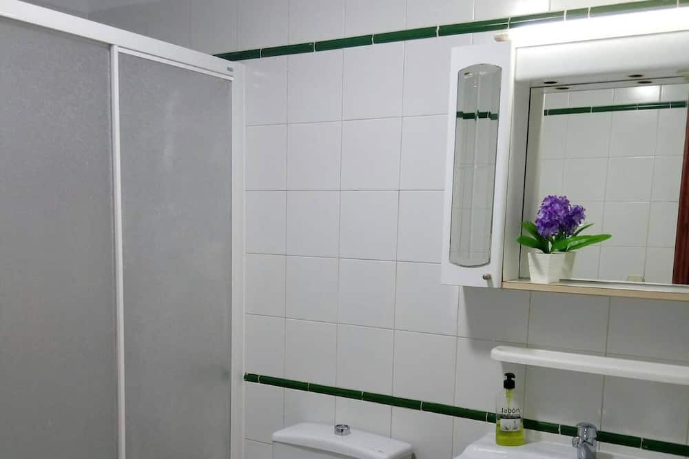 Apartament, 2 sypialnie - Łazienka