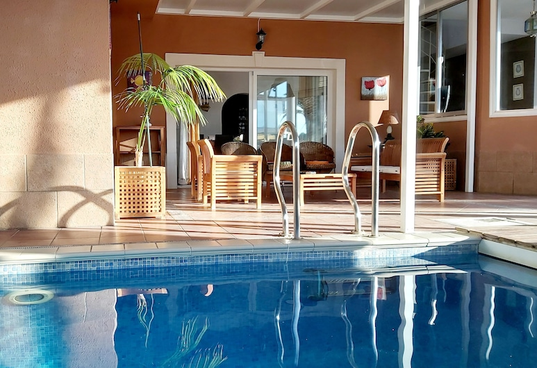 Villa Tenerife Sur - Indoor Heated Pool, Arona