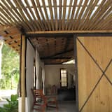 The Lion Cottage - Studio Due - Charming Studio in a cozy tropical garden