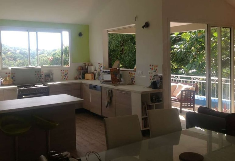 Apartment With 3 Bedrooms in Rivière-pilote, With Shared Pool, Furnished Garden and Wifi, Riviere-Pilote, Living Room
