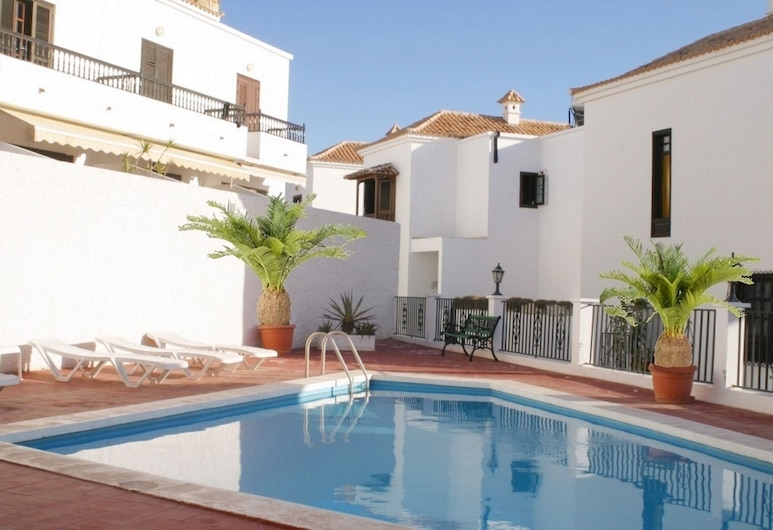 Well Maintained House in Chayofa, the Sunny South of Tenerife, Disinfected, Arona, Varias