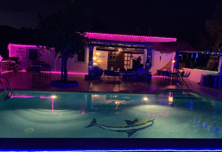 Little Cozy House With big Pool 10x5 And Wifi in Ibiza, Santa Eulalia del Río, Diverse