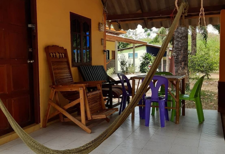 Som Palm Garden, Ko Lanta, Firemannsrom – economy, Terrasse/veranda