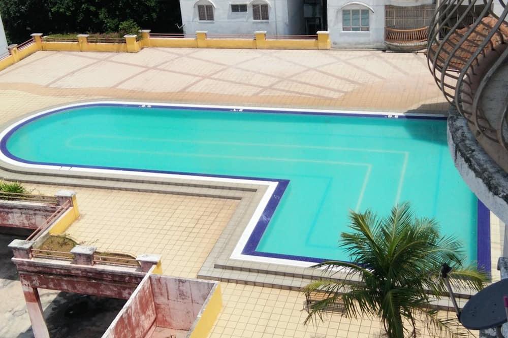 Sunshine Bay Resort