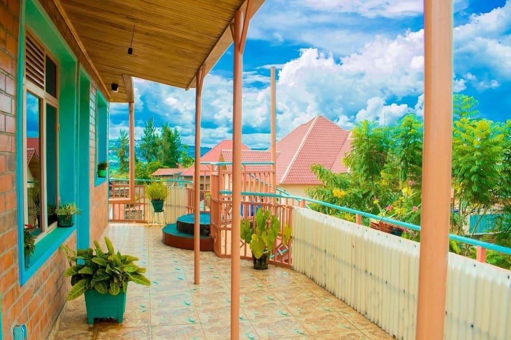 Апартаменти категорії «Джуніор» - Балкон