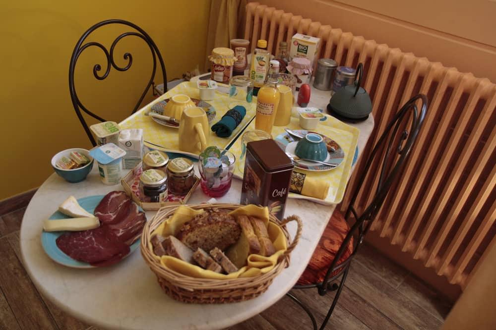 Suite (Orientale) - In-Room Dining