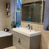 Comfort House - Bathroom Shower