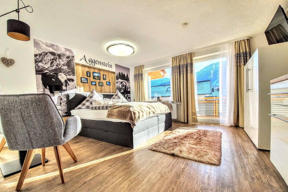 Romantic Studio, 1 Bedroom, Kitchen, Mountain View (Aggenstein) - Living Area