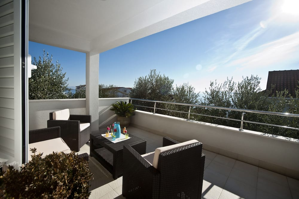 Casa (Four Bedroom Holiday Home with Pool) - Terrazza/Patio