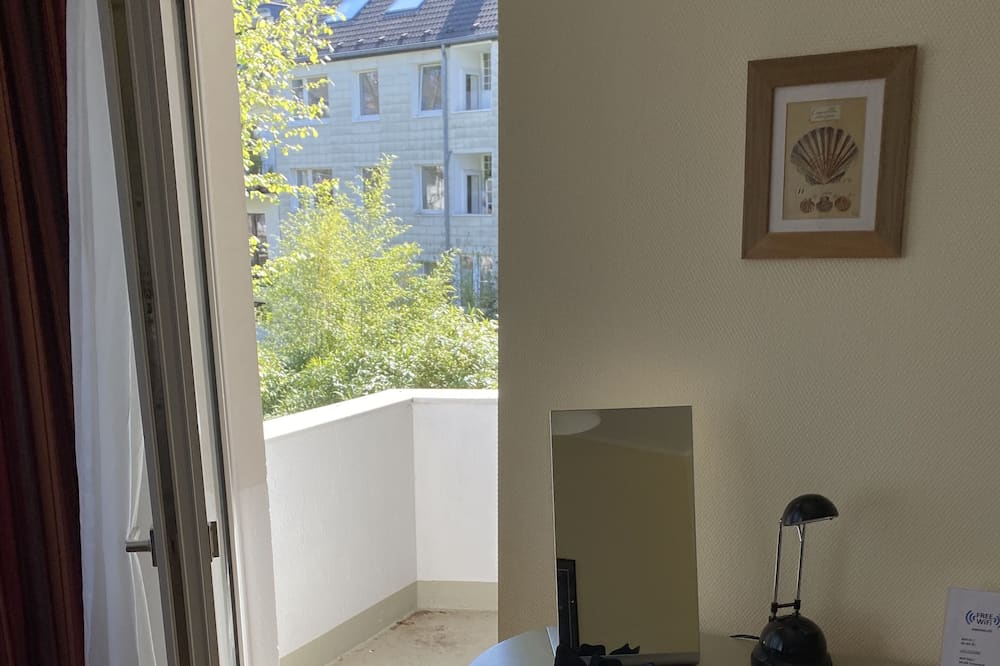 Apartment (Mathildenstrasse) - Balcony