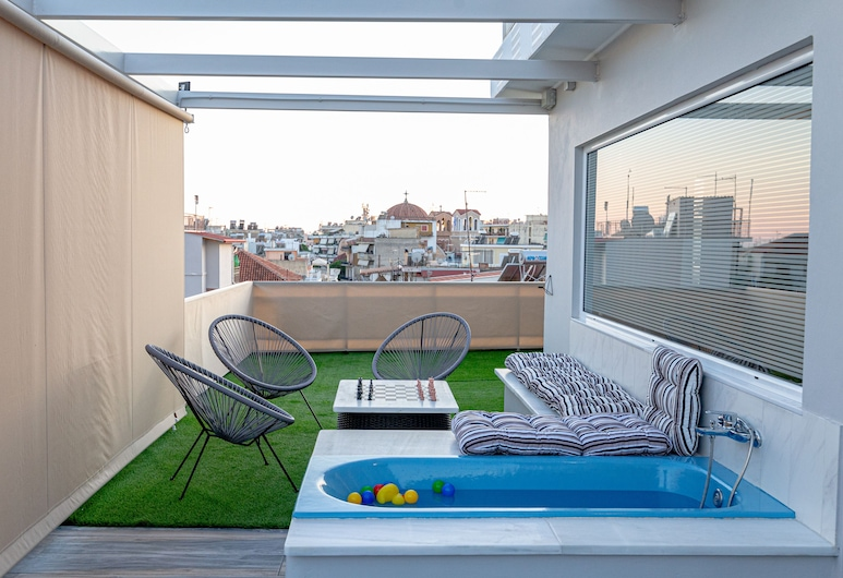 Central Cozy Penthouse Fully Equipped, Kalamata, Studio, Terrace/Patio