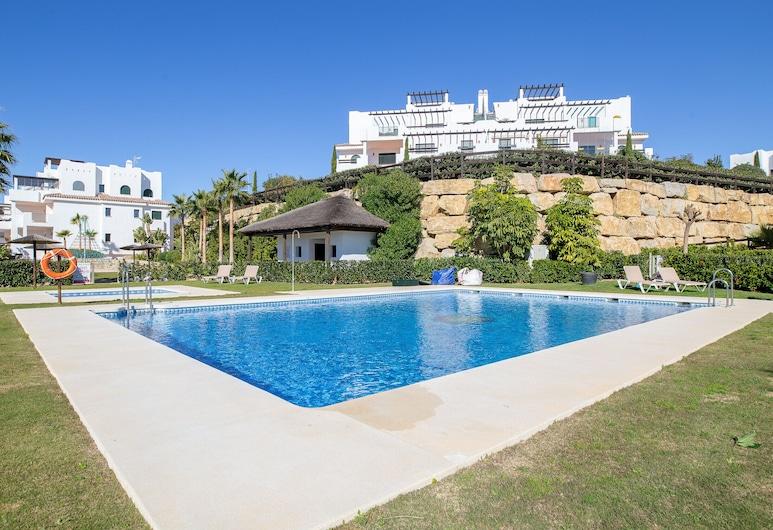 2193-Moderno apto con terraza vista al mar, Casares, Εξωτερική πισίνα