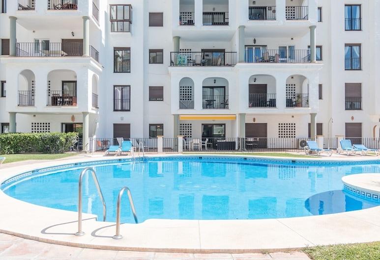 2054-Estupendo apto nuevo-en playa-acceso piscina, Манильва, Открытый бассейн