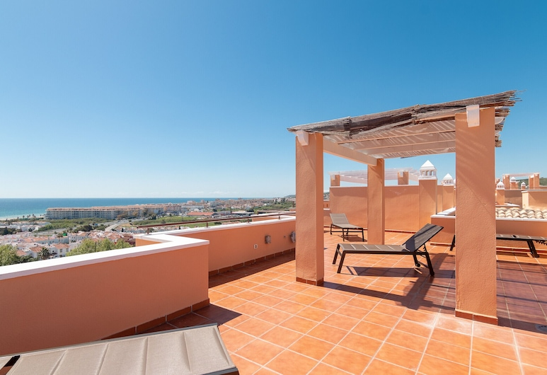 2242-Maravilloso atico 2 terrazas vista al mar, Casares, Apartment, 2 Bedrooms, Pool Access, Sea View, Terrace/Patio