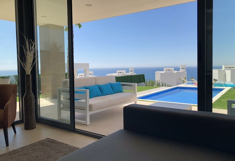 2254-Lujosa villa con piscina privada vista al mar, Manilva, Willa, 4 sypialnie, prywatny basen, widok na morze, Pokój
