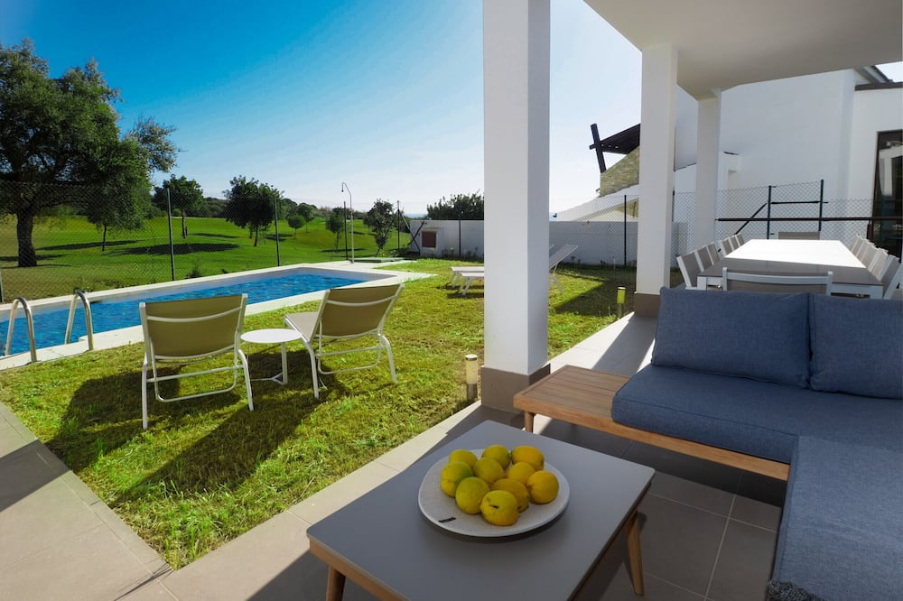 2301-Villa de lujo con piscina privada y 5 dormitorios