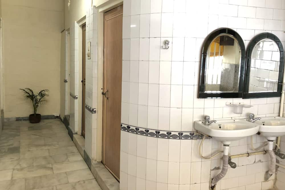 Single Hostel Room - Bathroom