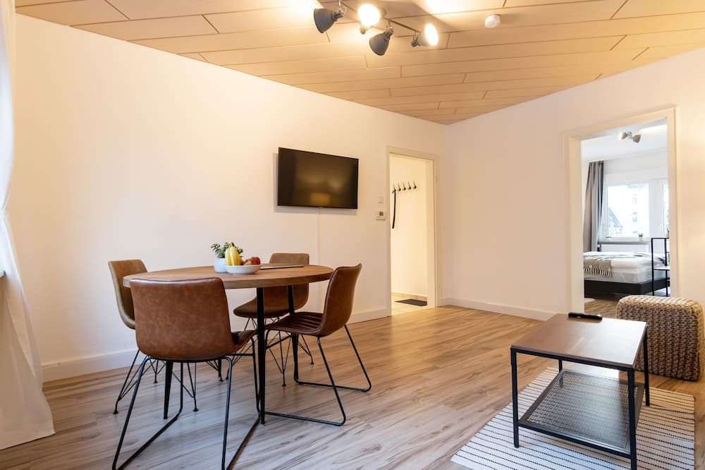 City Apartment (incl. cleaning fee) - In-Room Dining