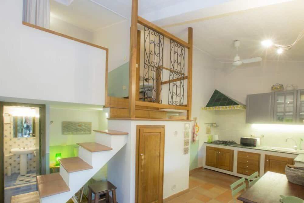 Апартаменти, 2 спальні, патіо - Житлова площа