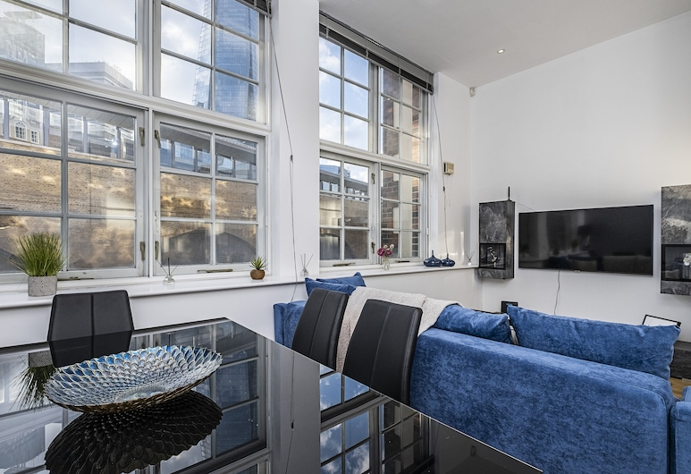 Oxford Drive Apartments by Flexystays, London, Apartment (First Floor), In-Room Dining