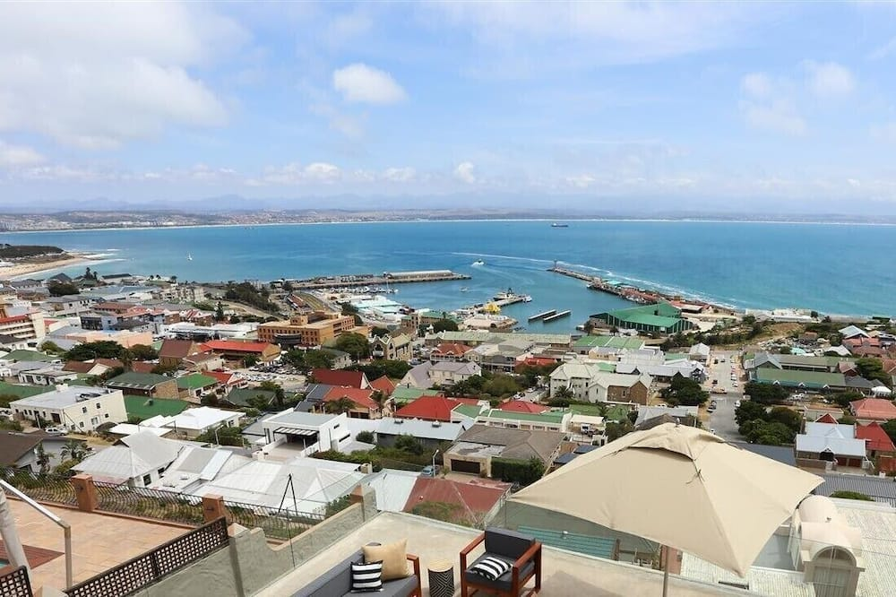 Deluxe Suite, Bay View - Beach/Ocean View