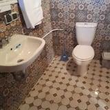 Twin Room (Tissdar 3) - Bathroom