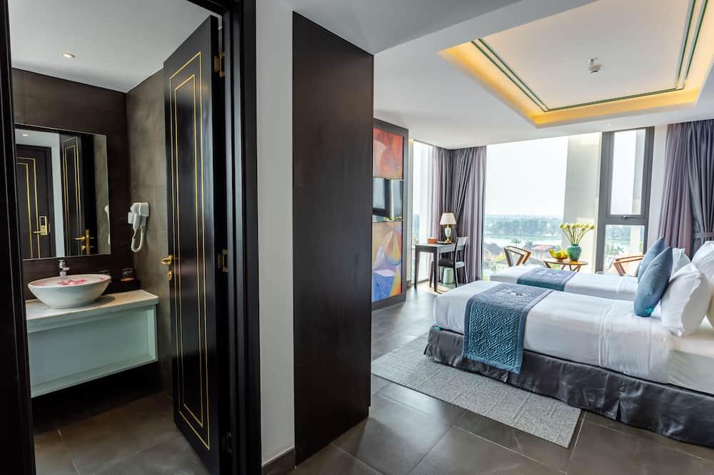 חדר זוגי, חדרים עם דלת מקשרת, נוף לנהר - חדר אורחים