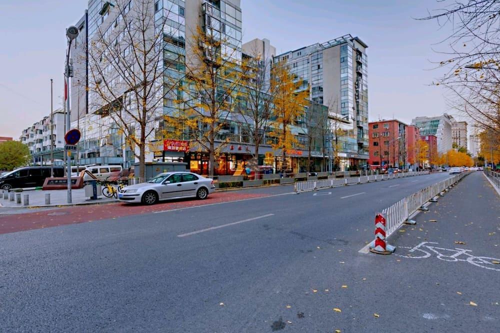 アパートメント - ストリート ビュー