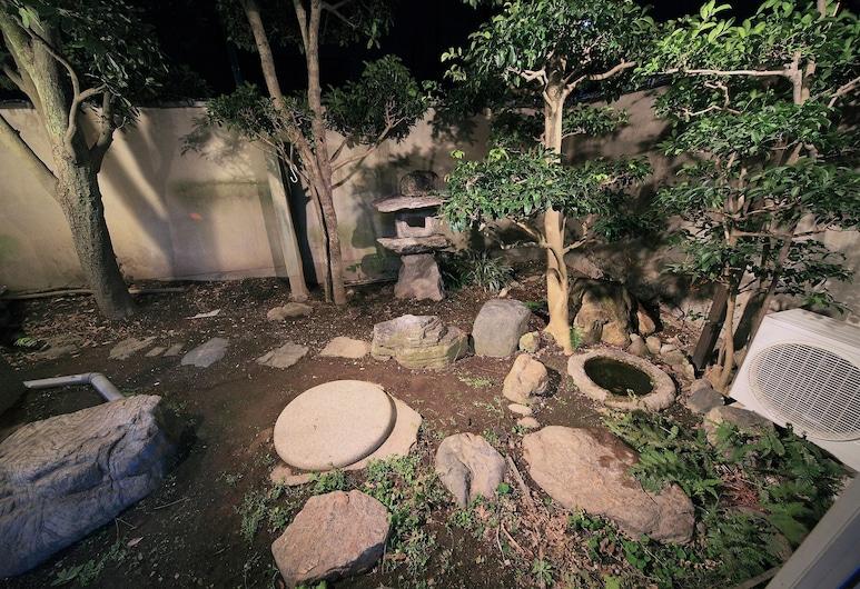 Hannari Kiyomizugojo, Kyoto, 안뜰
