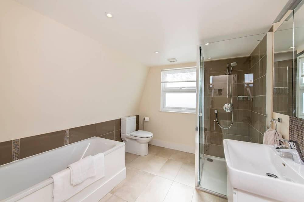 獨棟房屋 (3 Bedrooms) - 浴室