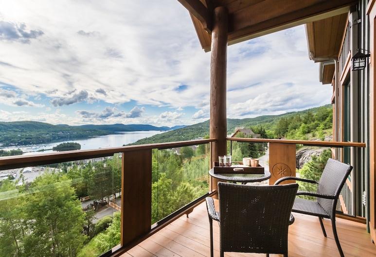 Equinoxe by Tremblant Platinum, Mont-Tremblant, Luxury Condo, 2 Bedrooms, Balcony View