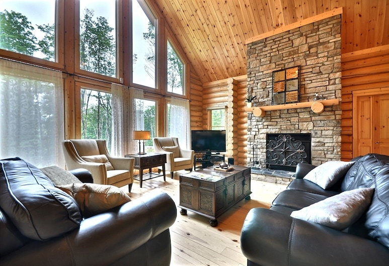 Grande Forêt by Tremblant Platinum, Lac-Tremblant-Nord, Cabin, 5 Bedrooms, Hot Tub, Living Room