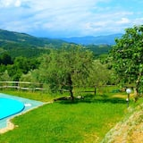 Apartment With 2 Bedrooms in Serravalle Pistoiese, With Wonderful Mountain View, Shared Pool, Enclosed Garden - 50 km From the Beach